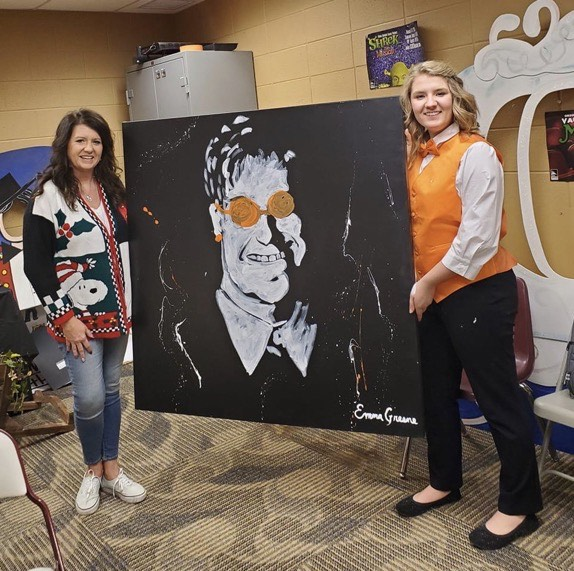 Emma Greene raises money with her painting in Vaudeville 2019